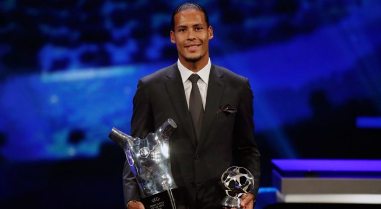 Virgil van Dijk meraih penghargaan UEFA Men's Player